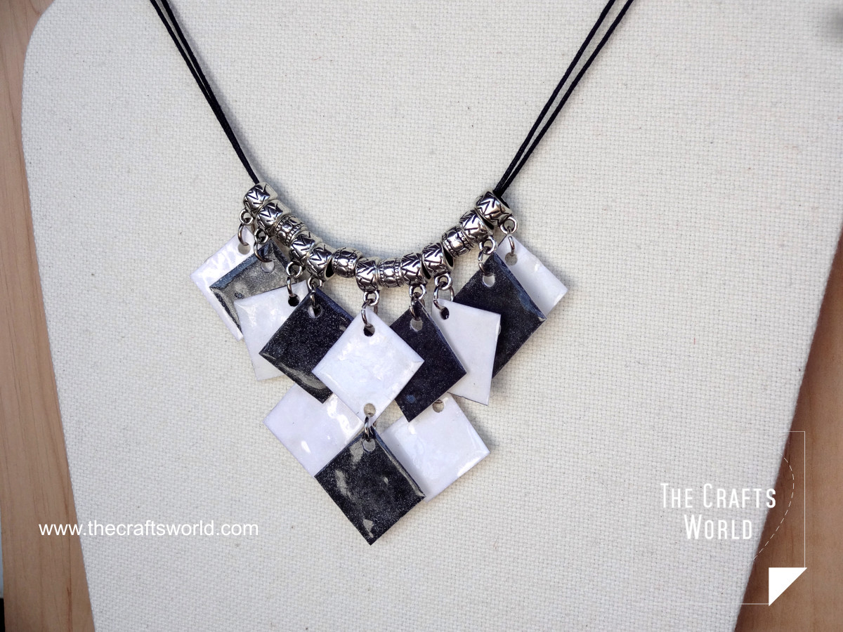 Handmade necklace - Checkerboard