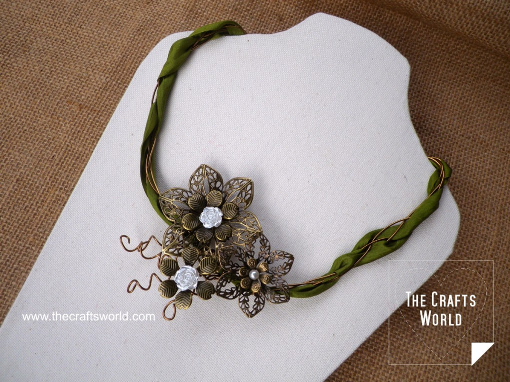 Filigree flowers DIY necklace