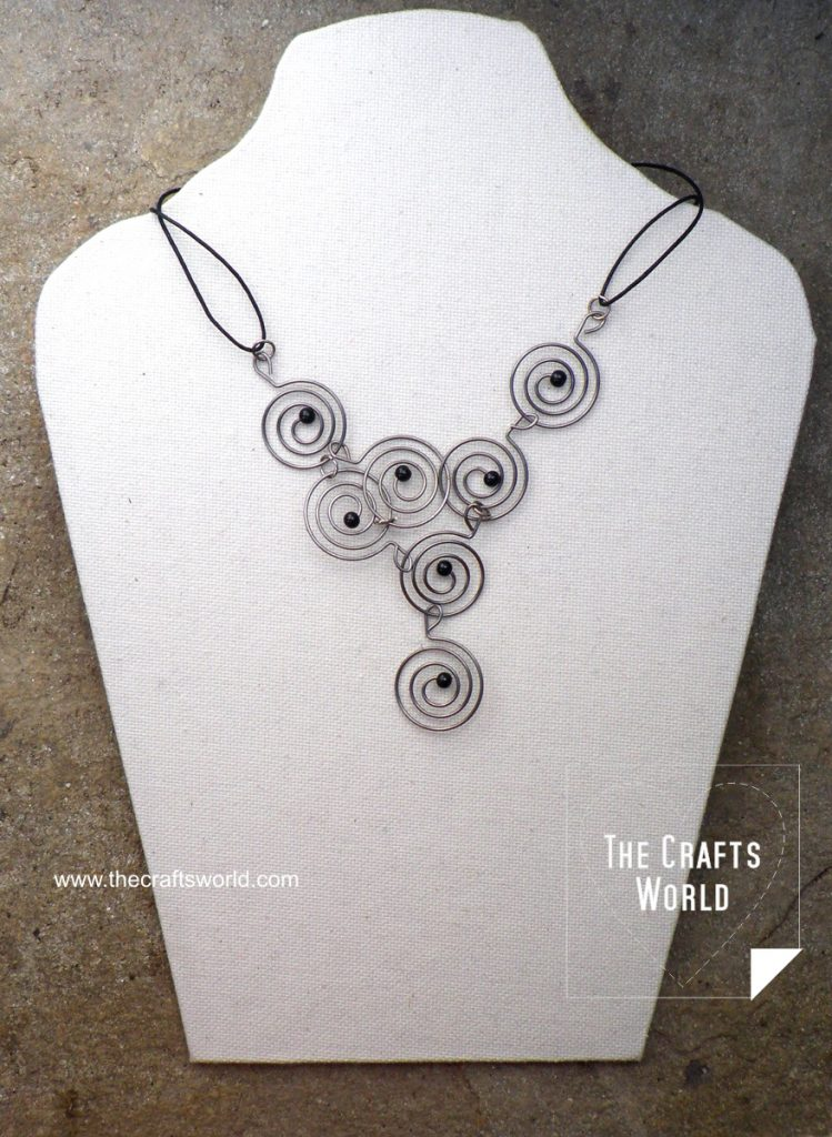 DIY necklace with round hangers