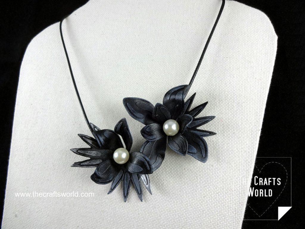 Worbla flowers necklace close