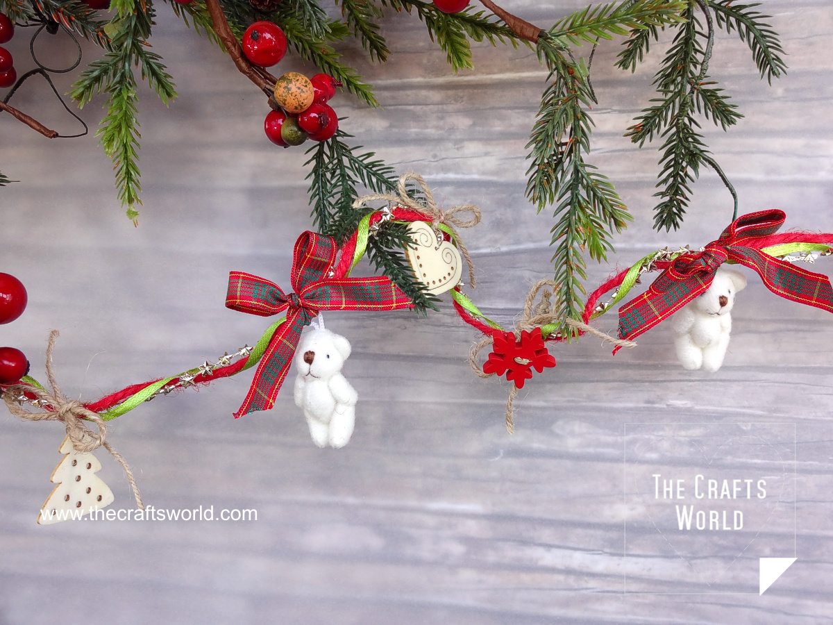 Teddy bears Christmas garland